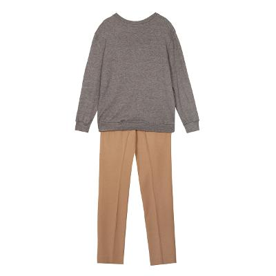 front patterned crew knit & modern pin-tuck slacks
